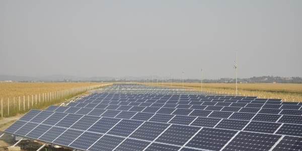 La Robăneşti se construiesc trei parcuri fotovoltaice